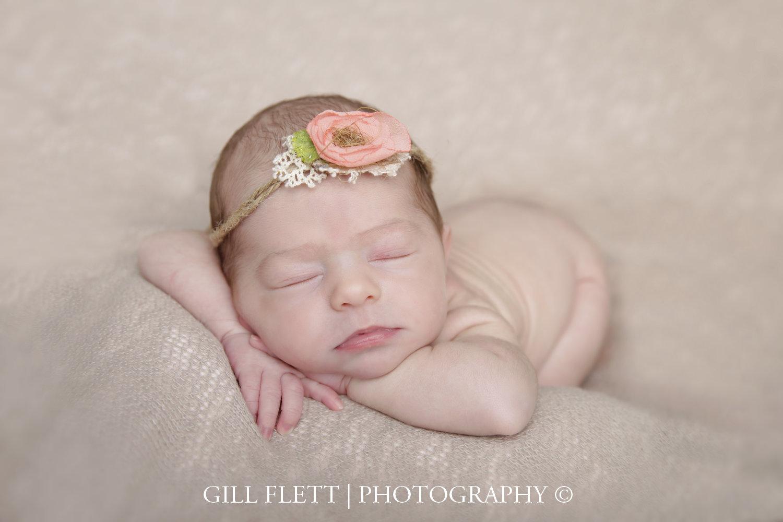 head-in-hands-newborn-girl-gillflett-london_img_0011.jpg