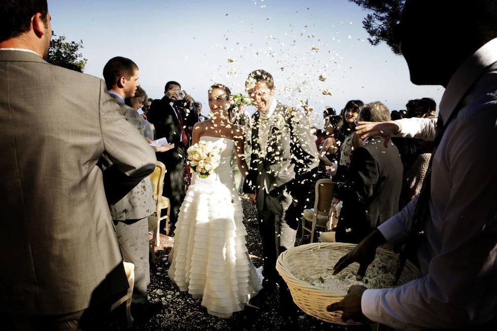 south-france-wedding photographer-confetti-wedding-gillflett.jpg