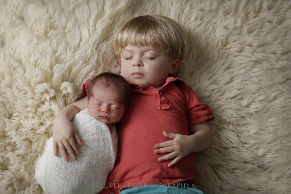 London Newborn Photographer siblings 1