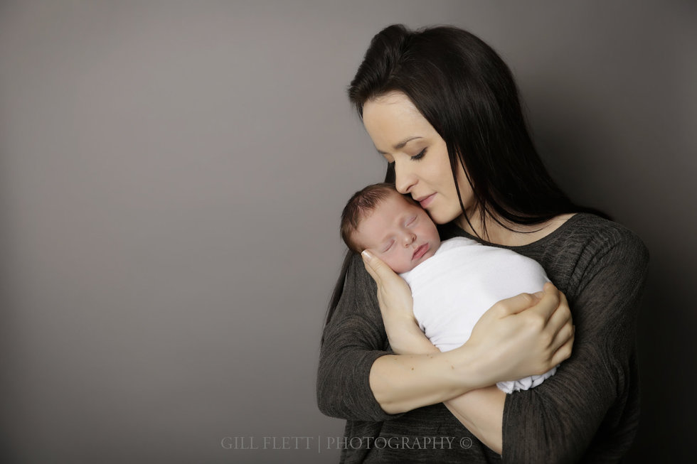 london newborn photographer mother and son