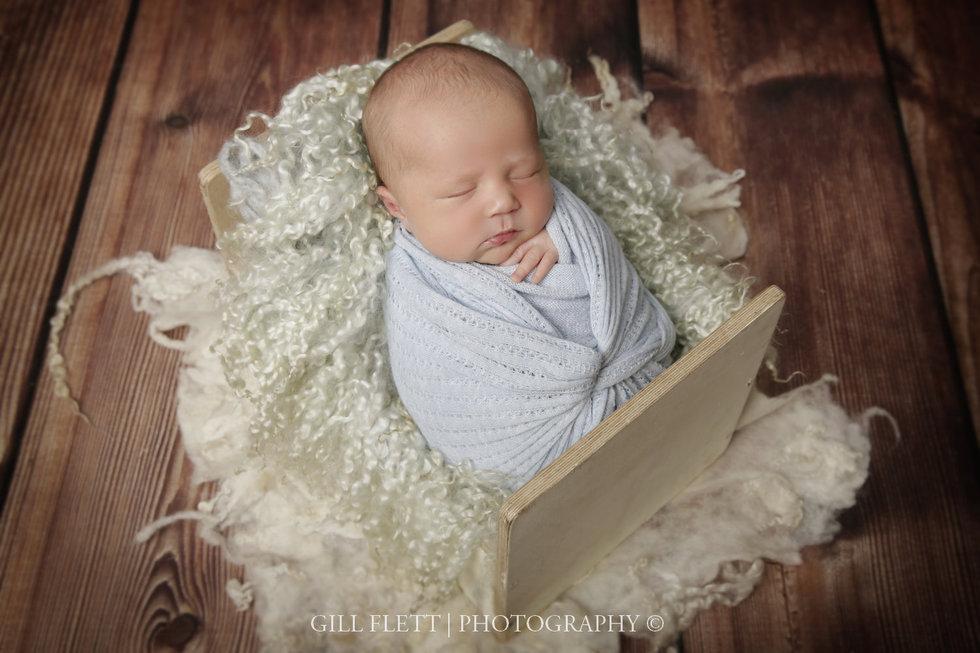 surrey-newborn-photographer-newborn-gillflett_IMG_0028.jpg