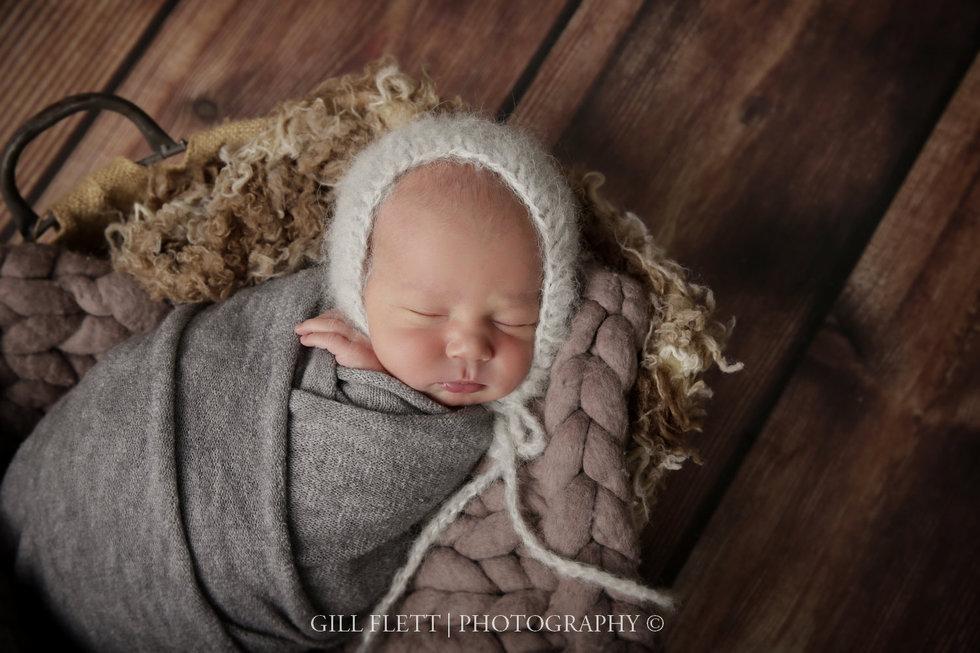 surrey-newborn-photographer-newborn-gillflett_IMG_0020.jpg