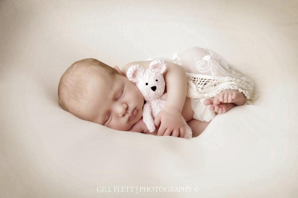 surrey-newborn-photographer-newborn-gillflett_IMG_0006.jpg