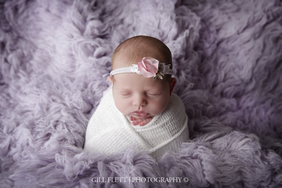 surrey-newborn-photographer-newborn-gillflett_IMG_0008.jpg
