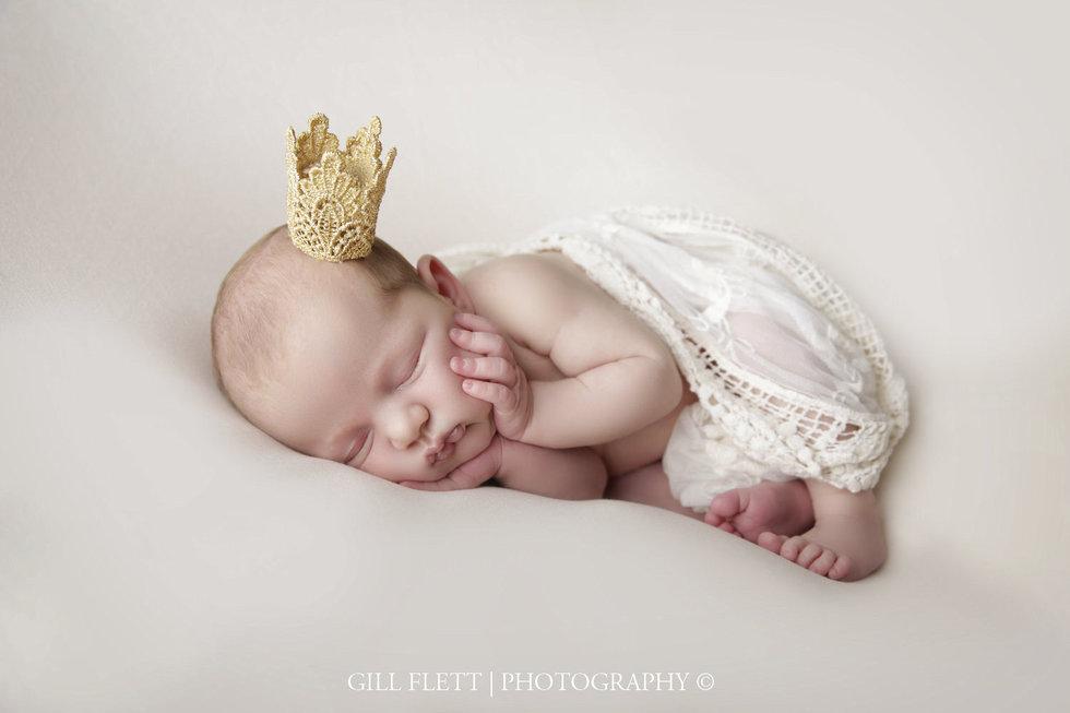 surrey-newborn-photographer-newborn-gillflett_IMG_0012.jpg