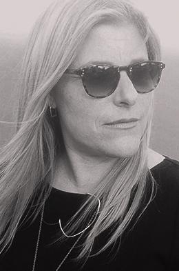 julie-wolfson-writer-arts-educator