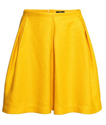 7.  This skirt is part of H&M'Snew Pre-Spring collection.When I first saw it on the rack, Ihad to try it on, and couldn't stop twirling in it!The fit,quality of the fabric , and color vibrancy are absolutelyperfect. Another must-have fordaytime promenade and nighttime dancing! Short PleatedSkirt  |  H&M