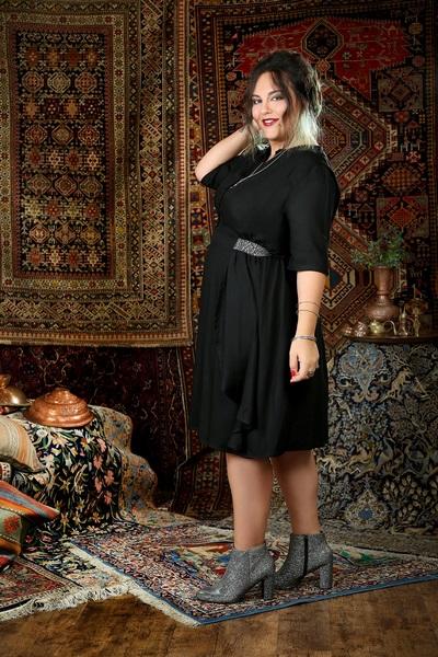 שמלת נינה שחורה חגורה כסופה 399 שח במקום 439 שח צלמת נעמי ים סוף (Copy).JPG