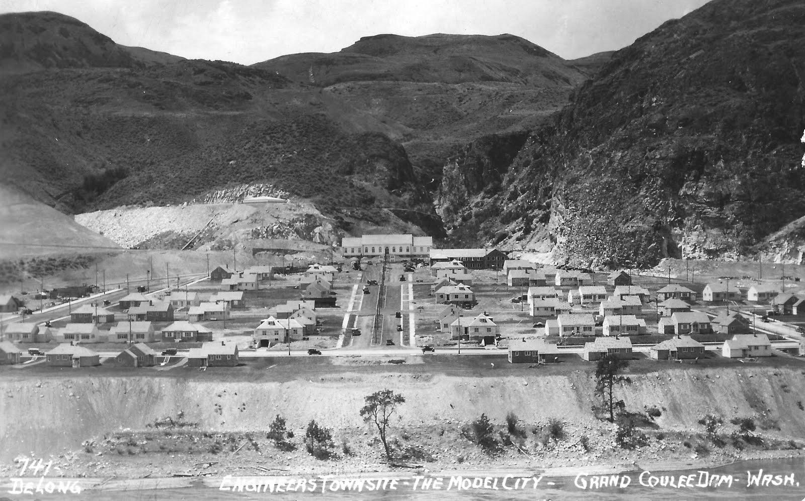 NP Grand Coulee WA ca 1935 DeLong.jpg