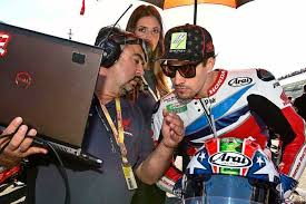 Pre-race technical briefing to maximize results