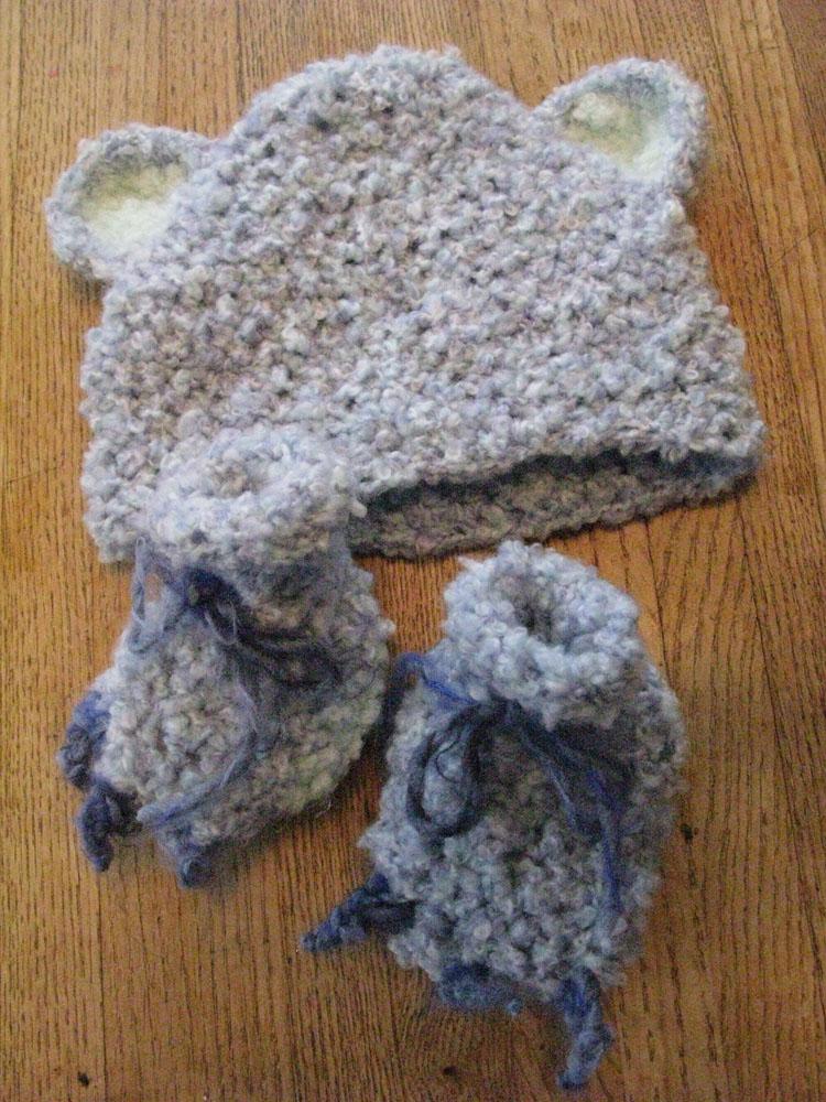 crochet-hatboots.jpg