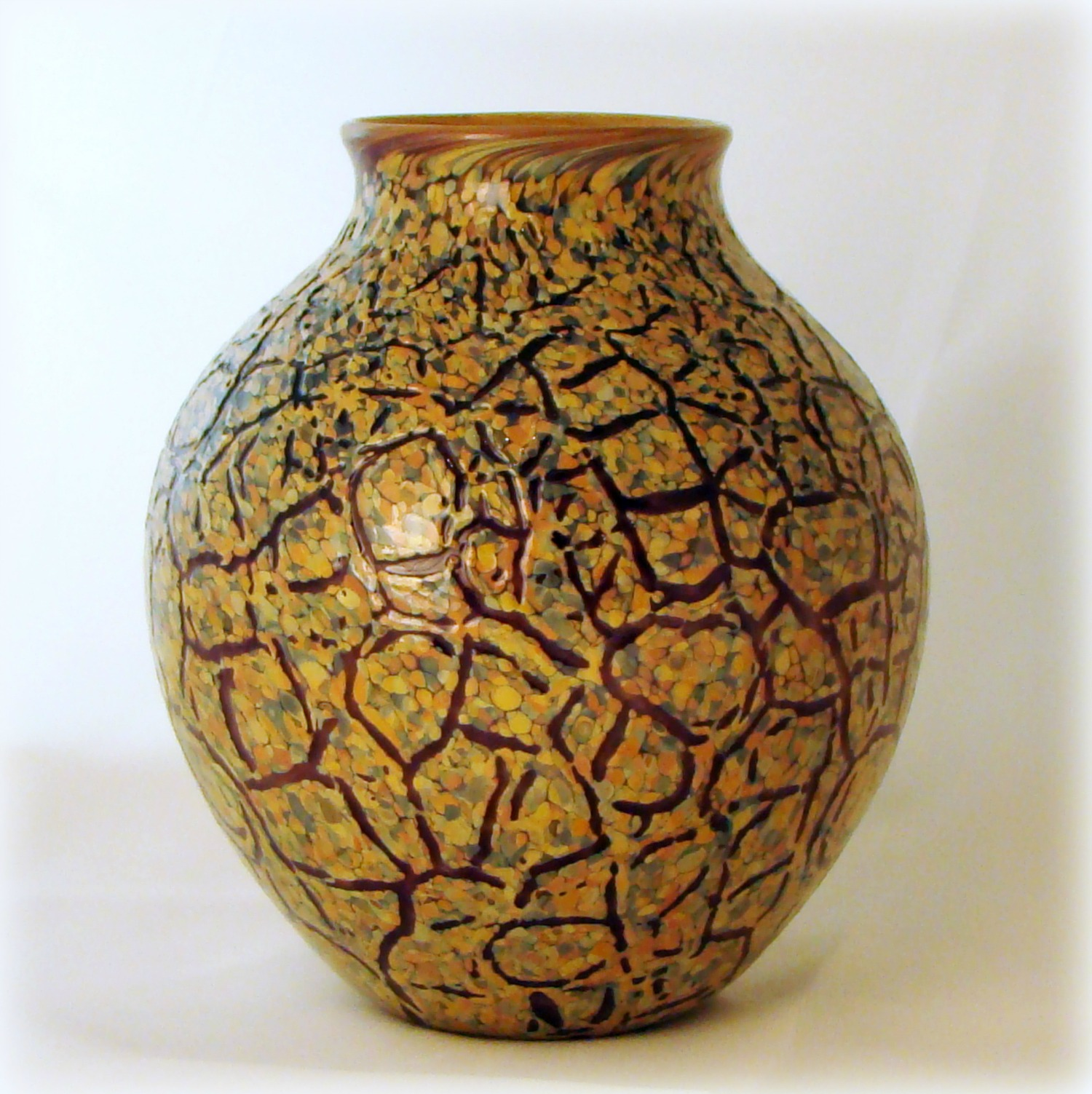 crackled-textured-on-blown-glass.jpg