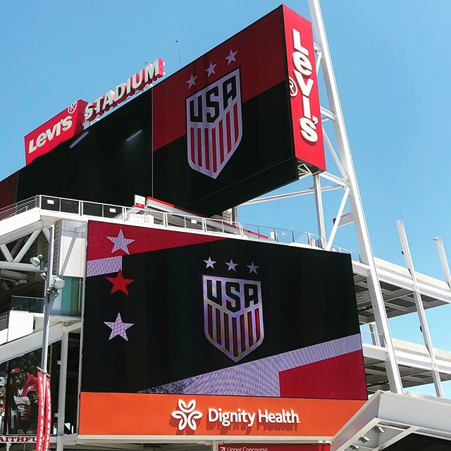 celebrating #mothersday in style with a 🇺🇸 @uswnt 3-0 win over 🇿🇦 .. #sendoffseries  #worldcup  #womensworldcup  #soccer #football #bayarea