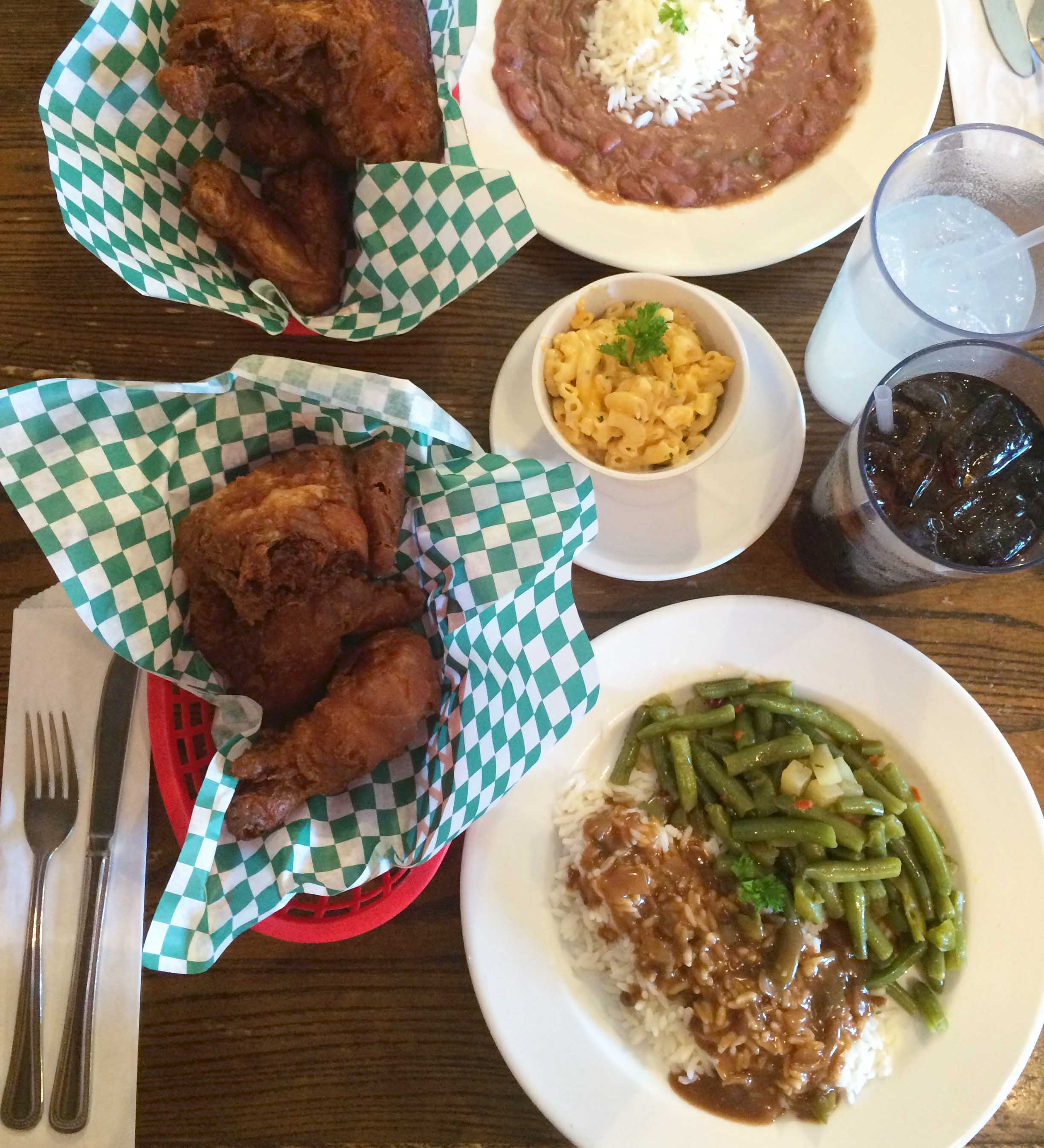 WIllie May's is fried chicken heaven.
