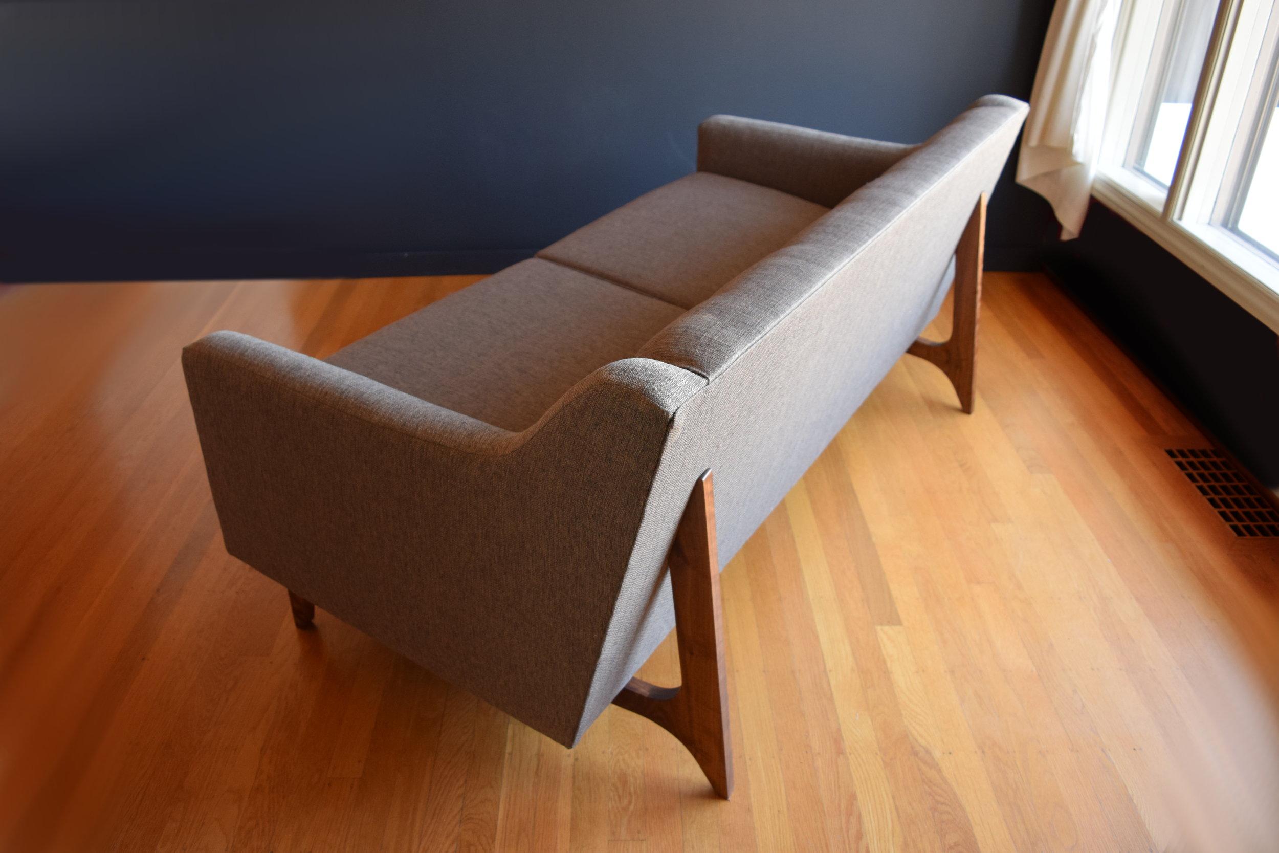 Leonard sofa (7).jpg