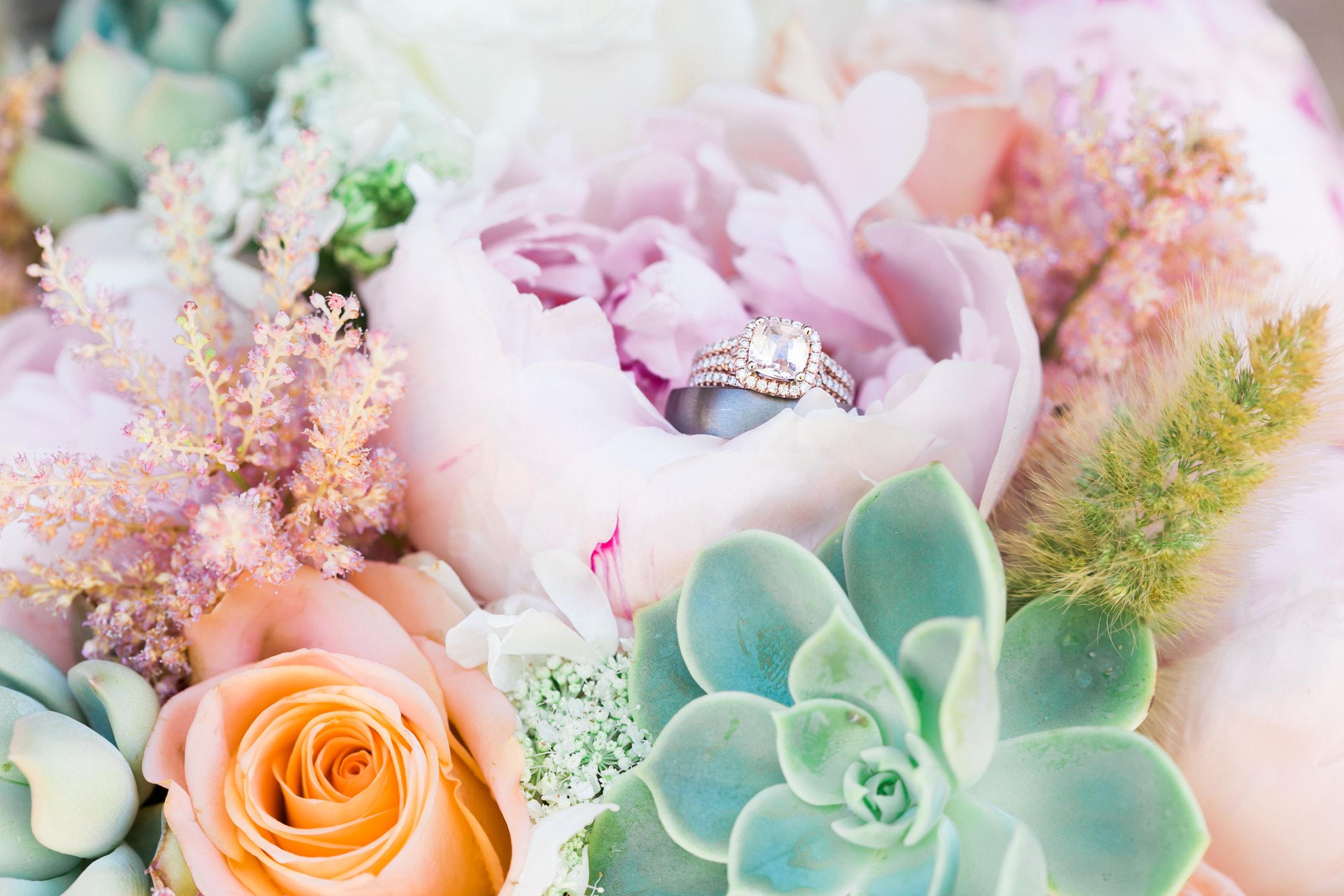 Ellensburg Floral Favorites-0002.jpg