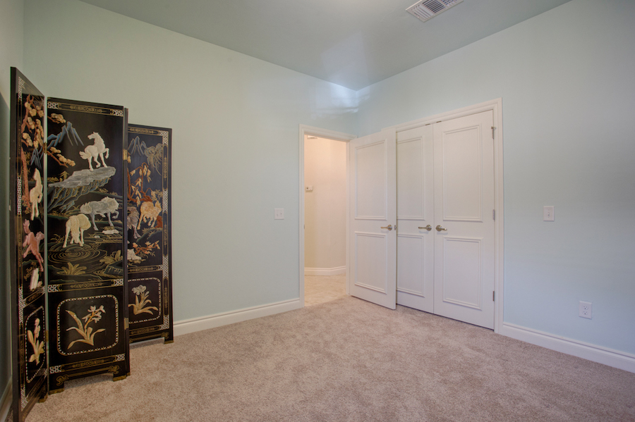005Bedroom 1B.jpg