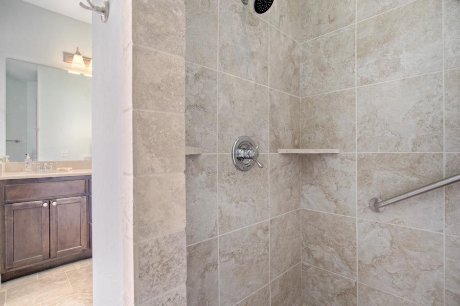 006Master Bath B.jpg
