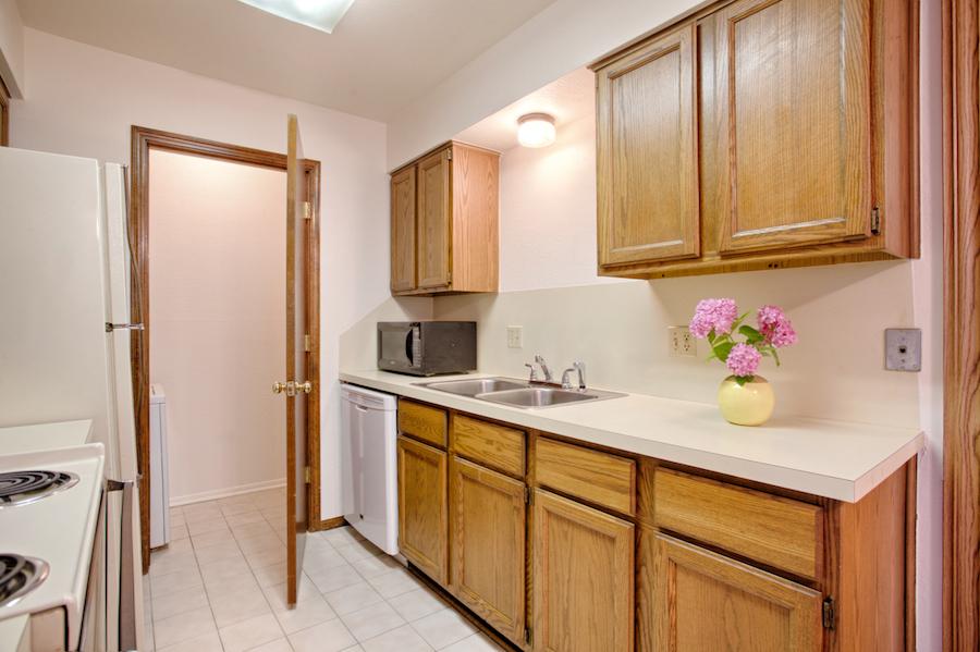 002-Kitchen B.jpg