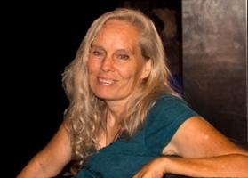 Judith Smith (Sandy Morris)