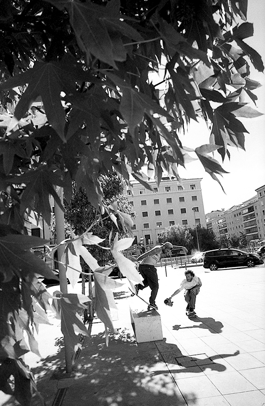 Bobby Worrest BS Noseblunt in Lisbon. Photo Richard Hart