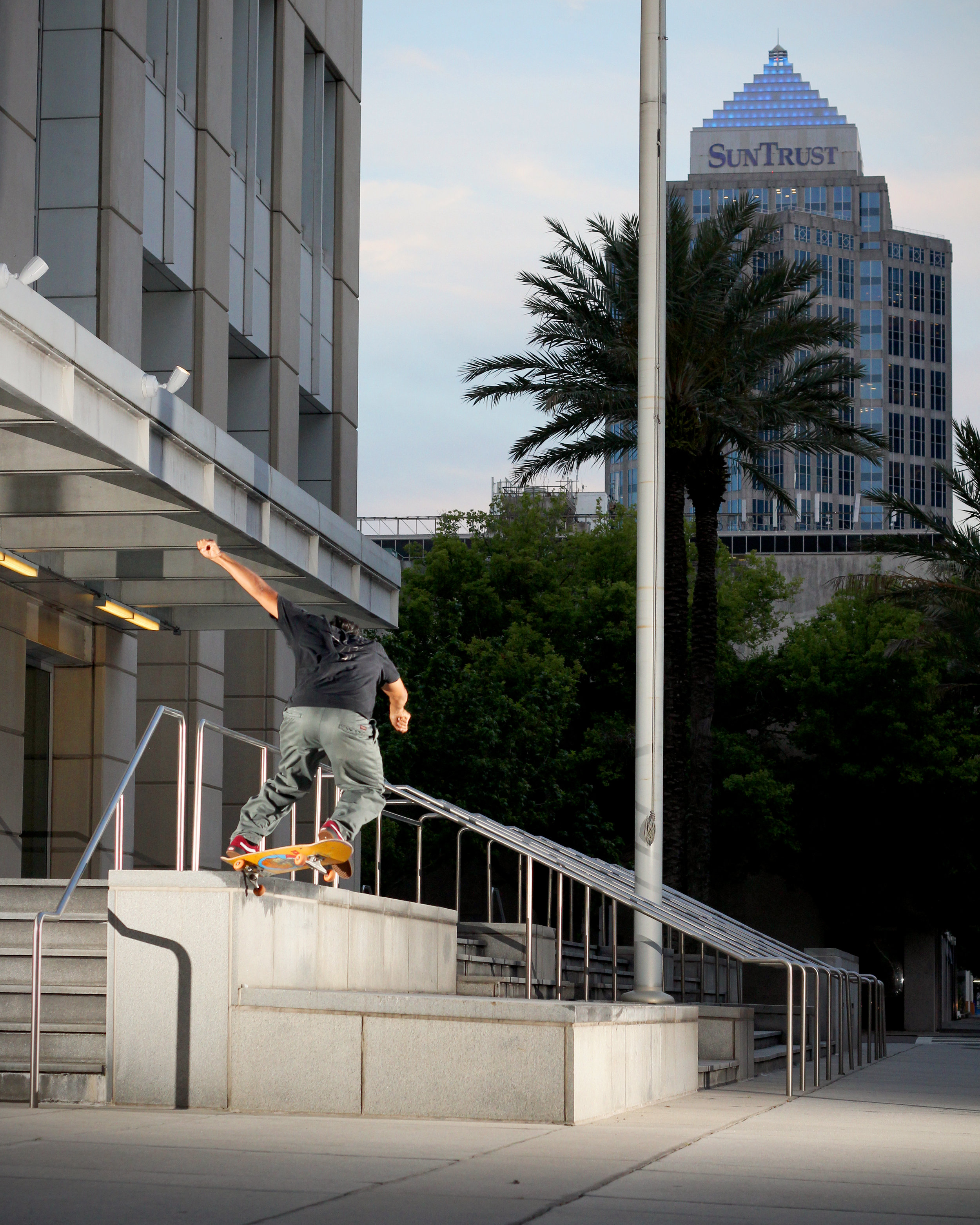 Sam Bellipanni-ollie up bs 180 nosegrind the Federal Courthouse in Tampa / Photo: Bowser