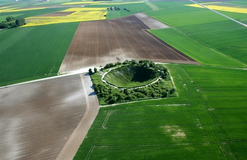 Somme-Battlefield-Tour-Lochnagar-Crater.jpg