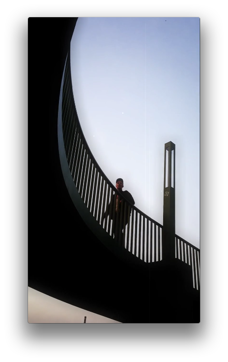 Still from  Vertical experiments 001: Rondell  (2014) by Kuesti Fraun and Frank Lin.