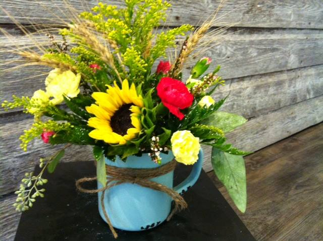 The popular enamel mug arrangement -