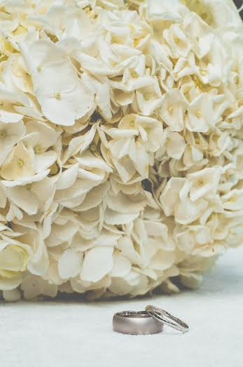 Hydrangea bouquets! (Photo credit Isabel Dib photography)