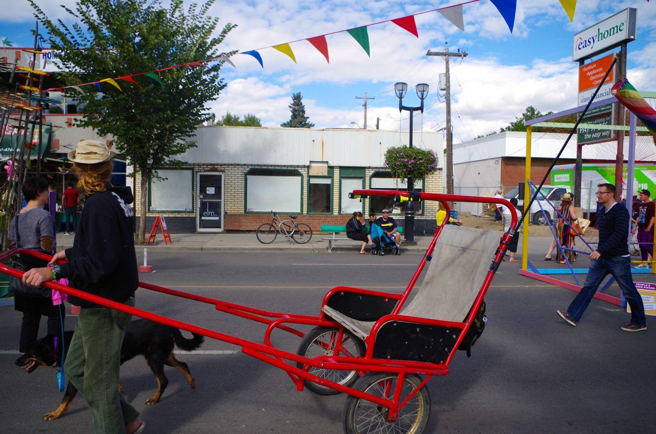 Rickshaw waiting