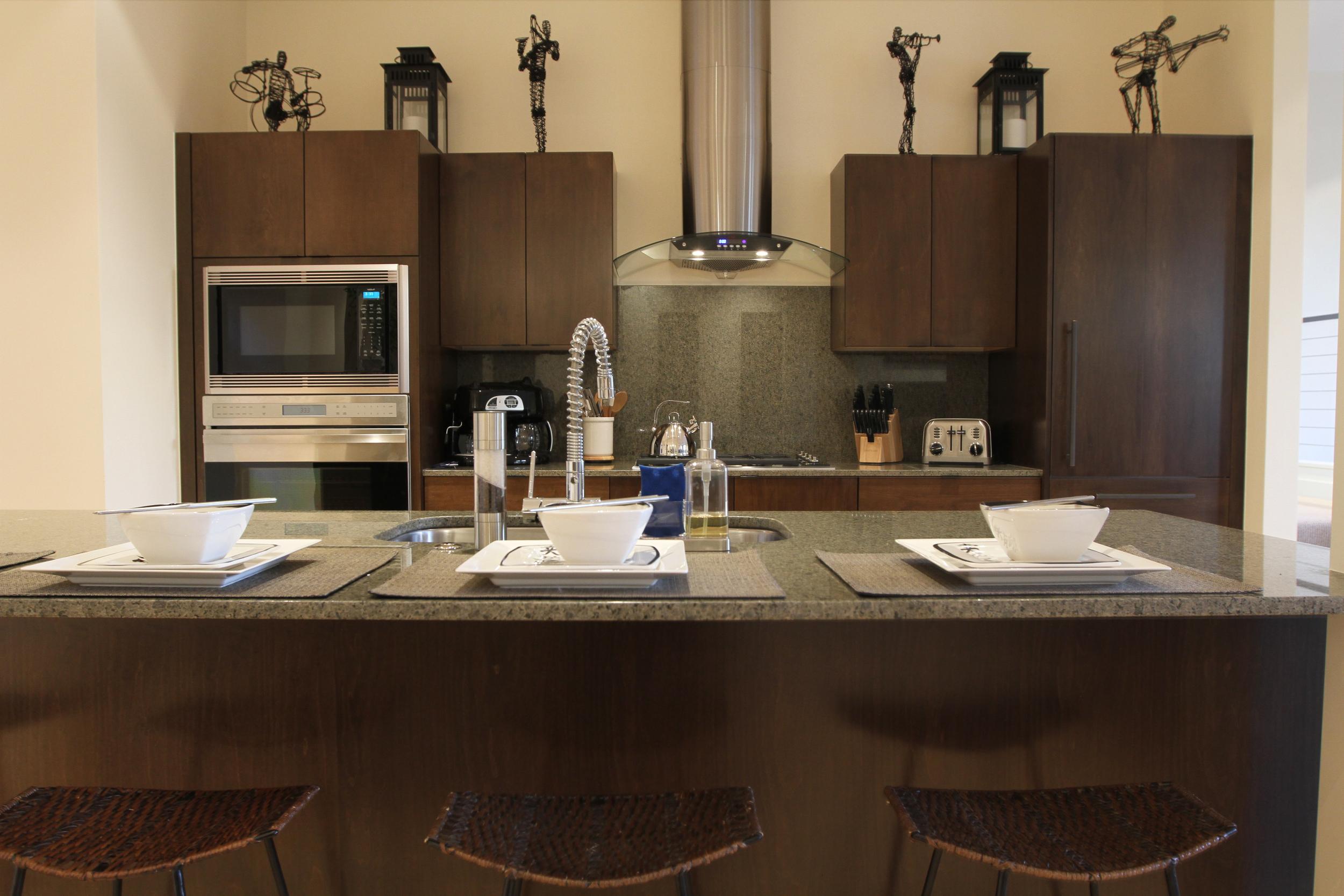 Bar Kitchen.jpg