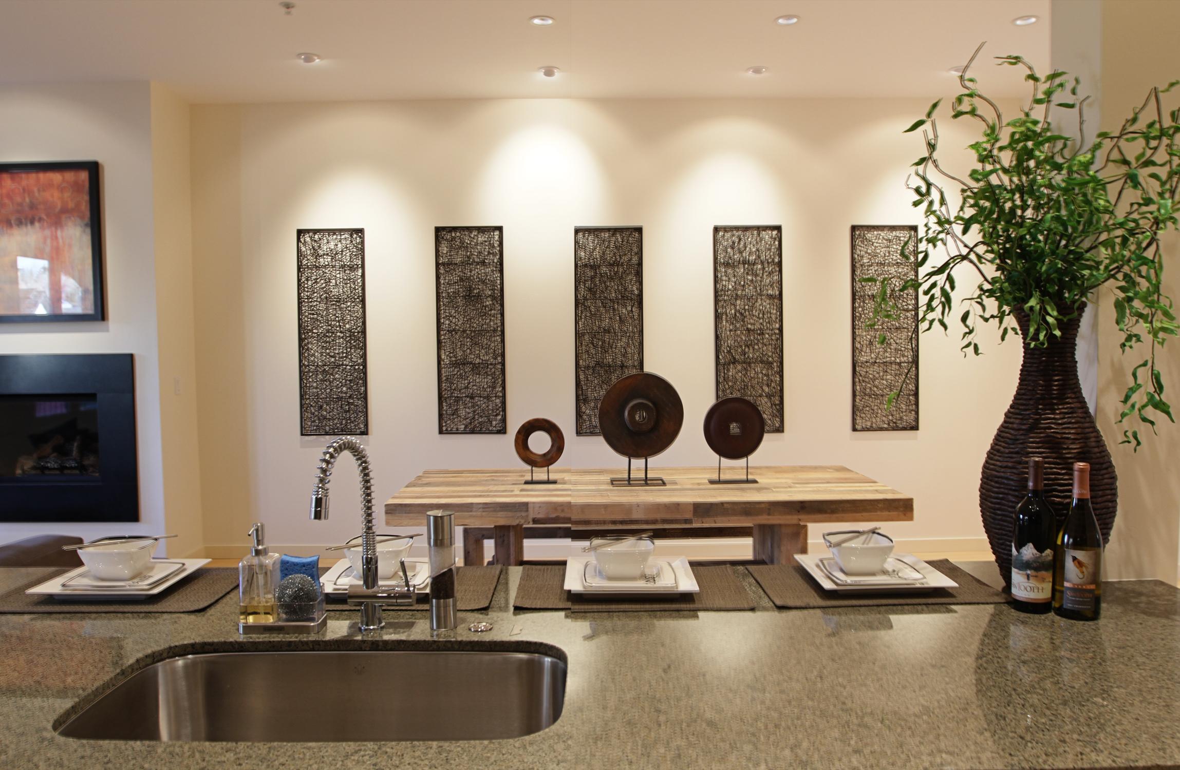 Kitchen Dining1.jpg