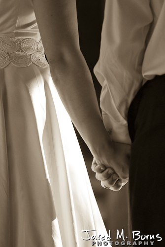 Mountain Springs Lodge Leavenworth Wedding Photographer - Holding hands