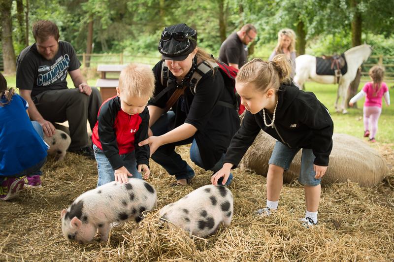 Snohomish Family Photographer - Family at a farm.jpg
