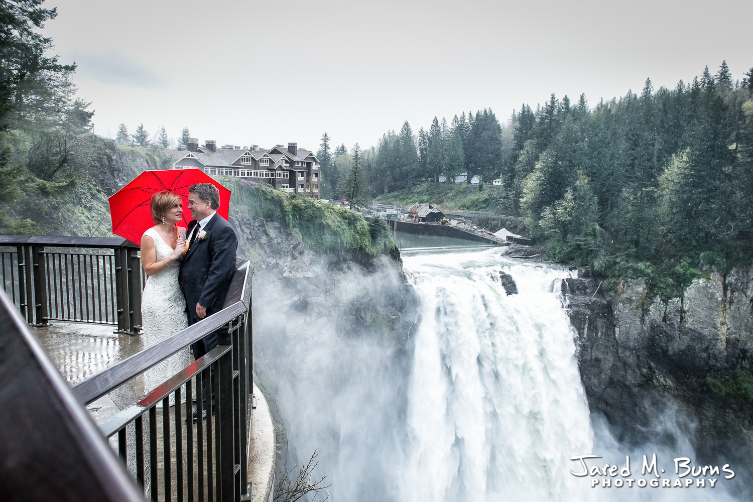 Seattle Wedding Photographer - Bride and Groom at Snoqualmie Falls Salish Lodge, Jared M. Burns