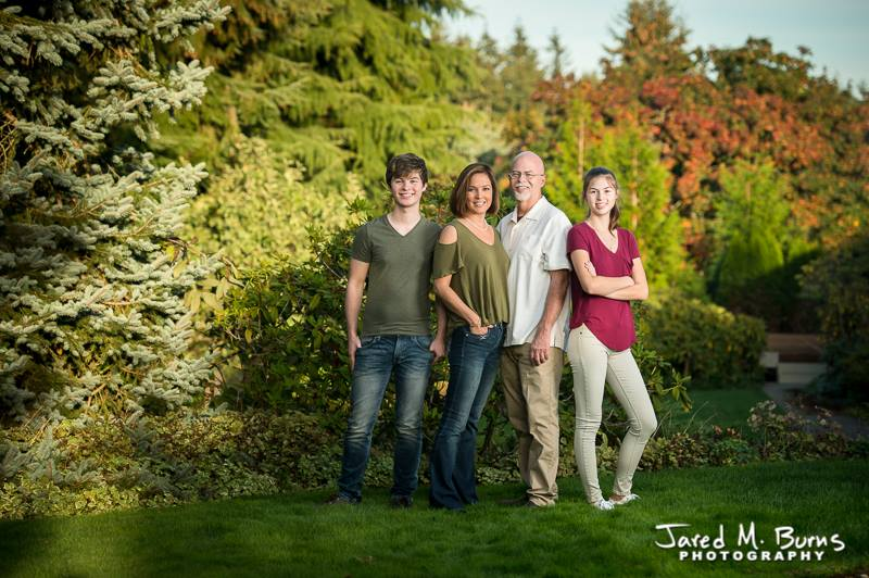 Jared M Burns Photography - Lynnwood Fall Family Portrait at Park.jpg