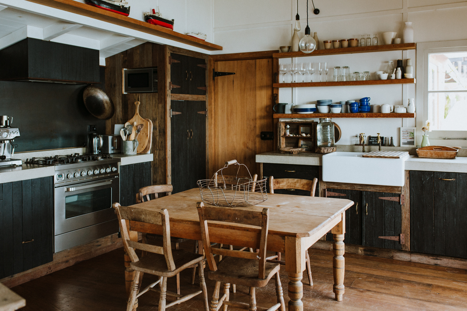 SHAYNE_ALLEN_LITTLE_BLACK_SHACK_LBS+kitchen.jpg