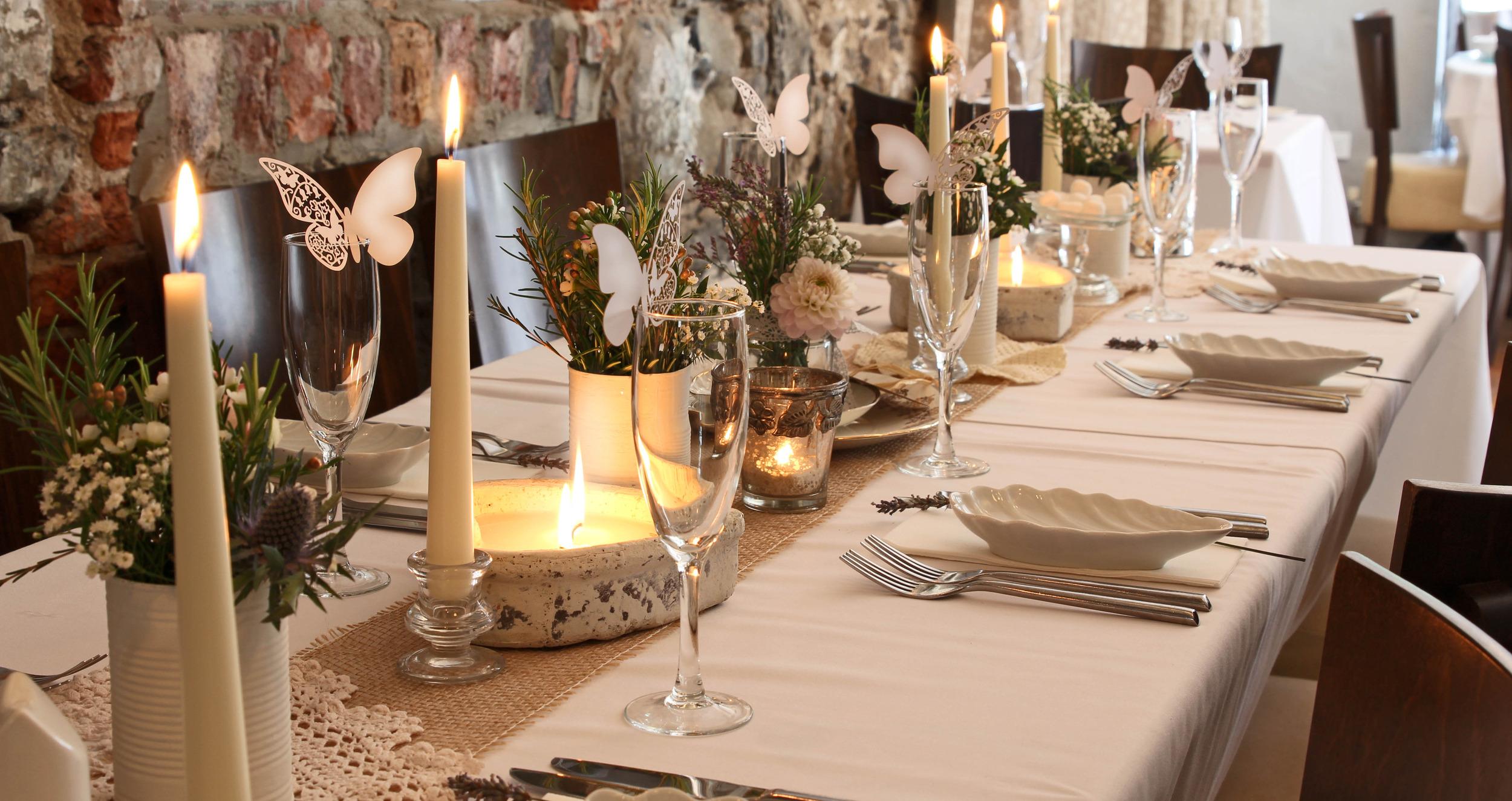wedding setting long table