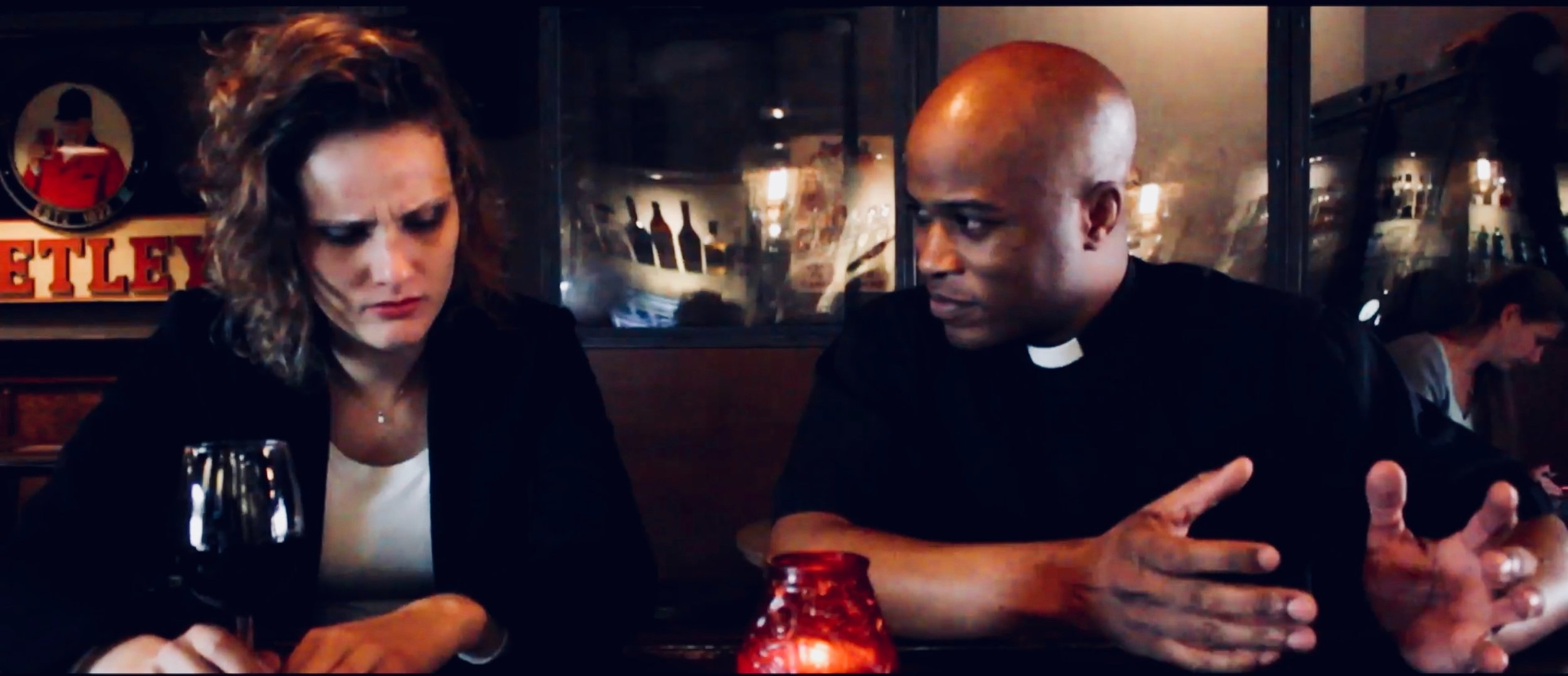 2, Scarlett ontmoet Pastor Ben.jpg