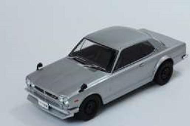T9-1800180  Nissan Skyline GT-R KPGC10, zilver, Triple9