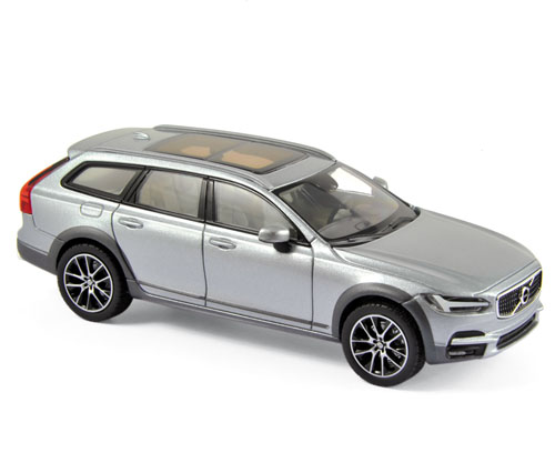 870068    Volvo V90 Cross Country 2017, brightzilver, Norev