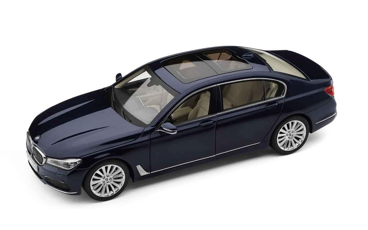 80432405586  BMW 750Li (G12), blauw, Paragon
