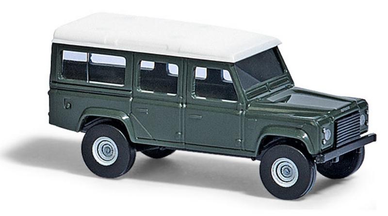 8371  Land Rover Defender, donkergroen, Busch