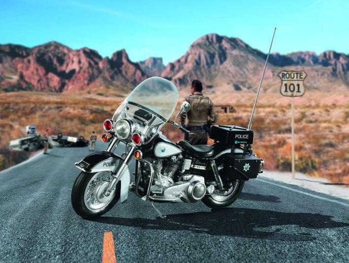 7915  US Police Motorbike, Revell