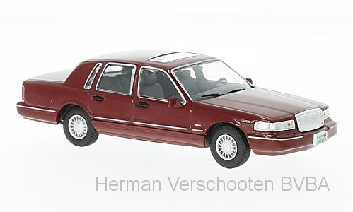 WB133    Lincoln Town Car 1996, met. rood, Whitebox