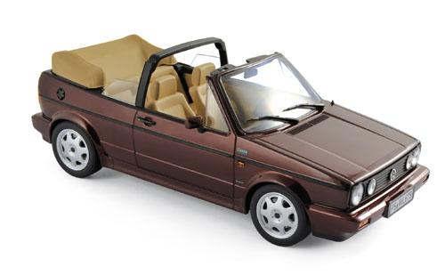 188403  Volkswagen Golf Cabriolet Classic Line 1992, rood met., Norev