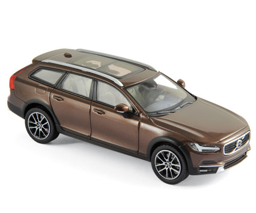 870069    Volvo V90 Cross Country 2017, Maple Brown, Norev