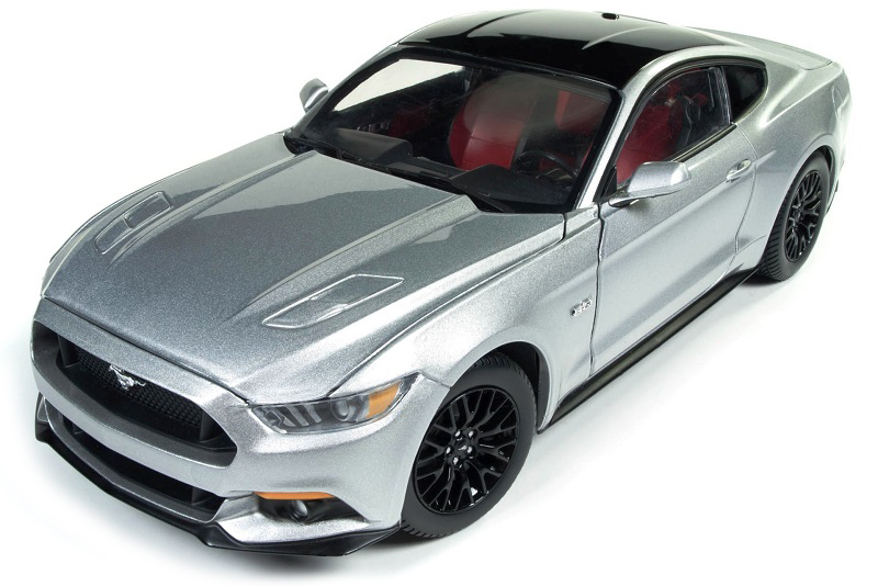 AW237    2017 Ford Mustang GT, zilver, Auto World