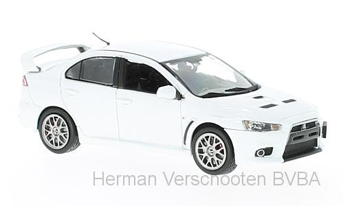 29296L  Mitsubishi Lancer Evolution X, parelwit, Vitesse